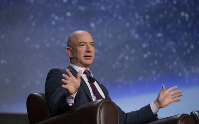 Jeff Bezos zwiększy w tym roku przychody Amazona o niemal jedną trzecią – przewidują analitycy