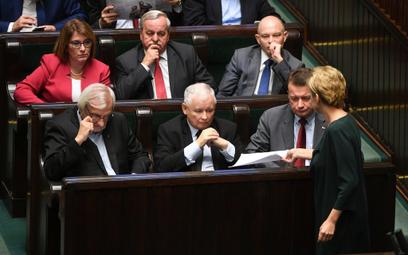 PiS odłoży reformę sądownictwa do drugiej kadencji?