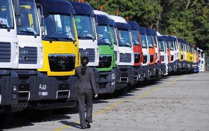 Ciężarówki czekają na rozmowy w Moskwie