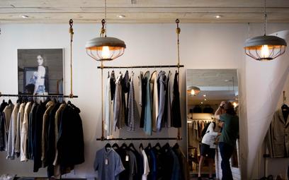 Bezlitosny raport: branża mody kłamie. Dostało sięgigantom