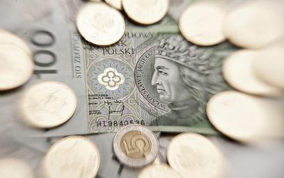 Popyt na polskie obligacje skarbowe, pomimo styczniowej obniżki ratingu Polski przez agencję Standar