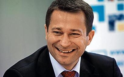 Mirosław Godlewski realizuje plan zdobycia udziałów w rynku kosztem Telekomunikacji Polskiej. Netia