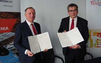 Prezes PKP Intercity Marek Chraniuk i p.o. prezes POT Bartłomiej Walas