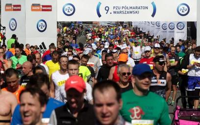 W ubiegłorocznej edycji półmaratonu do mety dotarło 11 tysięcy 124 biegaczy