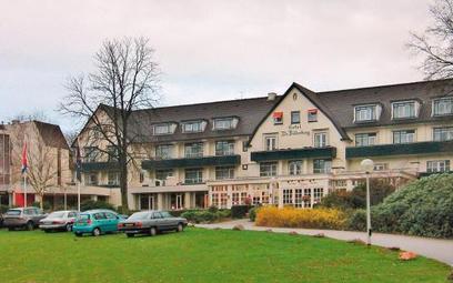 Hotel De Bilderberg wholenderskiej miejscowości Oosterbeek był wmaju 1954 r. miejscem pierwszego s