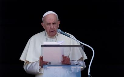 Papież: Przyjmijcie uchodźców. Poślijcie ich dzieci do szkół