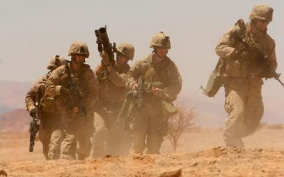 Amerykanie chcą wysłać na Bliski Wschód 10 tys. żołnierzy