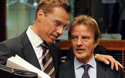 Minister spraw zagranicznych Finlandii Alexander Stubb i szef dyplo- macji francuskiej Bernard Kouch