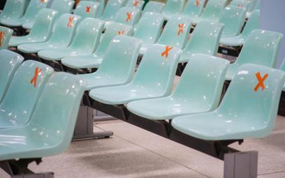 Koronawirus: wracają imprezy na stadionach i w plenerze. Są szczegółowe wytyczne