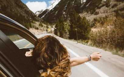 Wyjazd samochodem za granicę – o czym należy pamiętać?