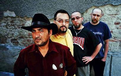 Sednem repertuaru Shukar Collective jest muzyka Ursarów, plemienia zawdzięczającego swą nazwę niecod