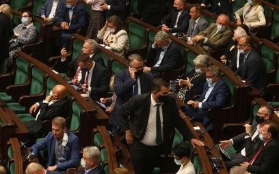 PiS chce zmiany regulaminu Sejmu ws. stanu wyjątkowego