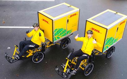 Kurierzy na elektrycznych rowerach