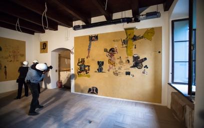 Rysunki ze ścian wydawnictwa Iskry przeniesione do Muzeum Warszawy