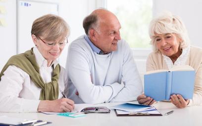 Jak ustalić okres ochrony przed zwolnieniem po reformie emerytalnej