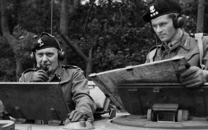 Gen. Stanisław Maczek i rotmistrz T. Wysocki, lipiec 1944