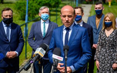Michał Szułdrzyński: Nawet jeśli partia kierowana przez Borysa Budkę jest o kilka punktów niedoszaco