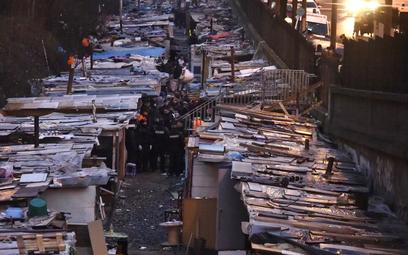 Paryż: Likwidacja największego obozowiska Romów