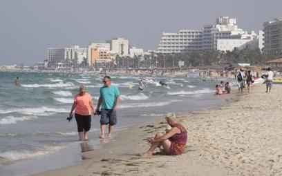 Tunezja dobrze strzeżona – helikoptery na granicach, quady na plażach