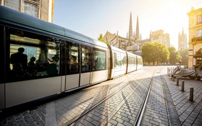 Miasta wymieniają stary tabor tramwajowy. Będzie szybciej, ciszej i wygodniej.