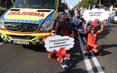Nawet 60 zł za godzinę i 12 tys. zł na miesiąc – koniec protestu ratowników