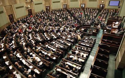 Sejm: czy posłom będzie trudniej zgłaszać ustawy