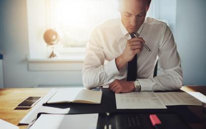 Jak udokumentować zakup usług niematerialnych