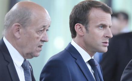 Minister spraw zagranicznych Francji Jean-Yves Le Drian i prezydent Emmanuel Macron