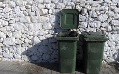 Gmina szybciej uruchomi egzekucję zaległych opłat za śmieci