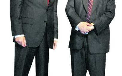 13 października 2005 r.: Donald Tusk i Lech Kaczyński jeszcze zapewniają, że sięnie znielubili