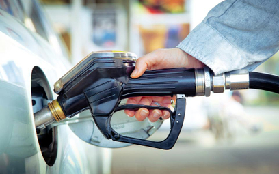Bez PIT za paliwo z firmowego auta używanego do prywatnych celów