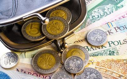 Pensja zasadnicza może być niższa niż minimalna