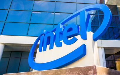 Intel nie zbuduje nowej fabryki w Wielkiej Brytanii. Przez brexit