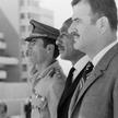 Uroczystość powitania na kairskim lotnisku 4 października 1971 r. prezydenta Syrii Hafiza al-Asada (