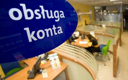Obcokrajowiec po konto musi pofatygować się do banku