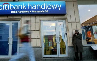 Bank Handlowy odpisuje 215 mln zł