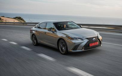 Lexus ES: Zamiana z konieczności
