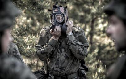 Co ma mieć w telefonie żołnierz?