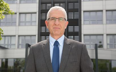 Henryk Kwapisz, DYREKTOR DS. RELACJI INSTYTUCJONALNYCH SAINT-GOBAIN