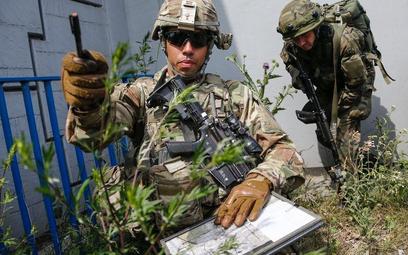 Sondaż: Polacy chcą stałych baz wojsk amerykańskich