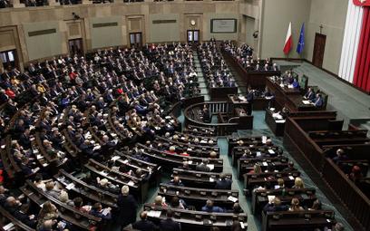Dwoje posłów KO poparło w głosowaniu rząd Morawieckiego