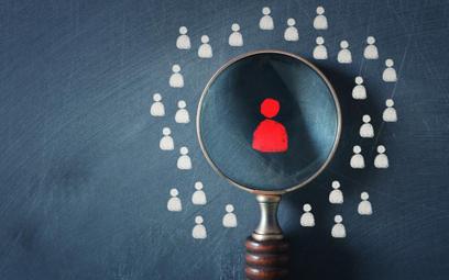 Weryfikacja rozwiązania umowy o pracę po przekształceniu urzędu poprzez wygaszenie etatu