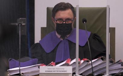 Sędzia Konrad Wytrykowski na rozprawie Izby Dyscyplinarnej Sądu Najwyższego w Warszawie