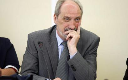 Antniego Macierewicza nie przekonały wyjaśnienia prokuratora krajowego Marka Staszaka ani wiceszefa