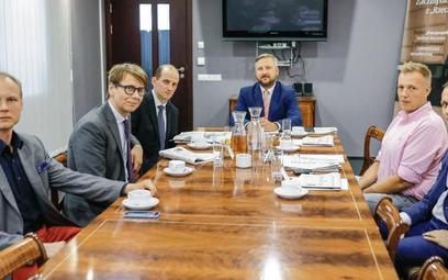 W debacie udział wzięli (od lewej): Maciej Sadowski, prezes Startup Hub Poland, Michał Cieciórski, W
