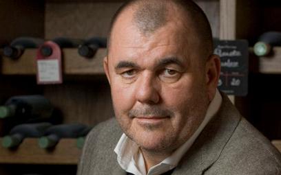 Jerzy Mazgaj, prezes zarządu delikatesów Alma, miłośnik cygar, dobrych trunków i wybornej kuchni