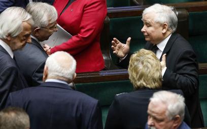 Sejm ma szybko zająć się ustawą o obniżce uposażeń posłów