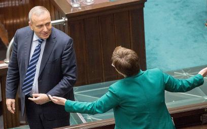 Katarzyna Lubnauer i Grzegorz Schetyna dyskutują w Sejmie
