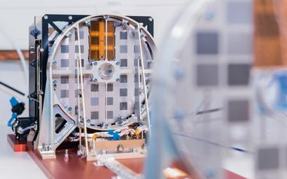 Instrument STIX, opracowany z udziałem naukowców i inżynierów CBK PAN dla misji Solar Orbiter. Piotr