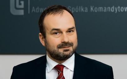 adw. Maciej Gutowski